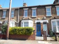 3 bed house in Alexandra Road, Erith...