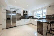 4 bedroom house in Abingdon Villas...