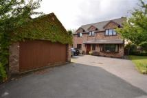 4 bed Detached property in Mount Pleasant Close...