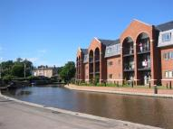 2 bed Flat to rent in Cameron Wharf...