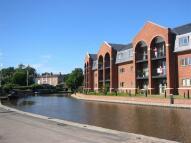 Cameron Wharf Flat to rent