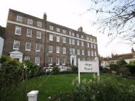 2 bedroom Detached property in Crooms Hill, Greenwich