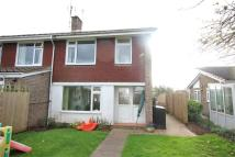 3 bed semi detached house in Hillcrest, Caerleon...
