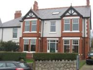 5 bedroom semi detached property to rent in York Road, Colwyn Bay...