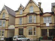 Flat to rent in Greenfield Road...