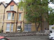 2 bedroom Flat in Meirion Gardens...