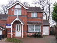 4 bed Detached house in Gledhow Park...