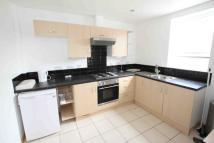 Flat to rent in Markham Avenue, Leeds...