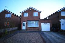 Detached house in Whinmoor Court, Leeds...