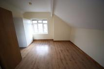 Studio flat to rent in Harehills Lane, Leeds...
