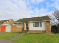 2 bed Detached Bungalow for sale in Hazelwood Gardens...