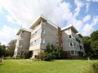 2 bedroom Flat in Archery Road...