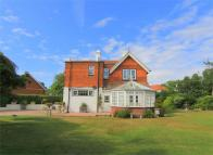 Detached property in The Ridge, Hastings...