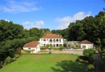 5 bedroom Detached home in The Cloisters...