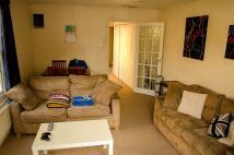 Flat to rent in Merton Road