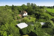 2 bedroom Detached house for sale in Charing, Kent
