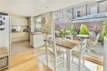 Flat for sale in Whittingstall Road...