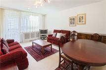 3 bedroom Flat in Napier Court...