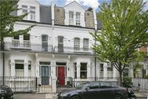 4 bed Terraced house for sale in Chesilton Road...