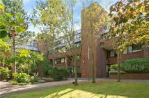 2 bed Flat for sale in Chandos Way...