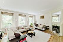 3 bedroom home in Kensington Square...
