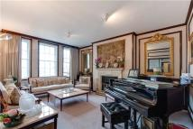 4 bed Flat for sale in St Mary Abbots Court...