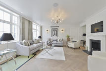4 bed Mews in Chesham Mews, Belgravia...