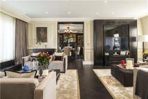3 bedroom Flat for sale in Egerton Gardens, London