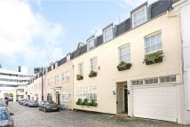 5 bed Terraced house for sale in Belgrave Mews West...