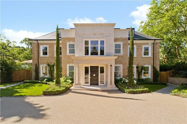 Coombe Park Kingston Upon Thames London 8950000 Prev Next Exterior