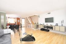 Terraced property for sale in Royal Court, London