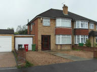 3 bed semi detached house to rent in Amanda court, Langley