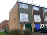 3 bedroom Town House to rent in Layburn Crescent, Slough