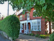 1 bedroom Ground Flat to rent in River Road, Maidenhead