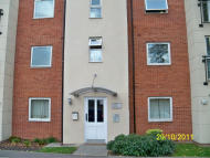 2 bedroom Apartment in Bronte Close, Slough