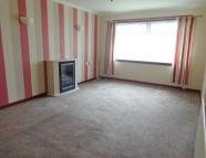 2 bed Ground Flat to rent in STAFFA COURT, Perth, PH1