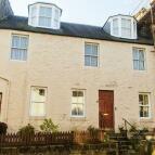 Flat to rent in High Street, Newburgh