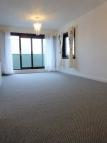 Flat to rent in High Road, KY14