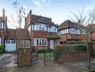5 bedroom house to rent in Lauderdale Drive...