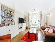 3 bedroom property to rent in Defoe Avenue, Kew...