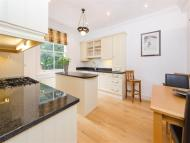 3 bed property in Marchmont Road, Richmond...