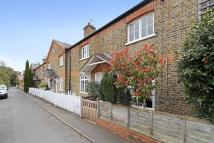 2 bed home in Sandpits Road, Richmond...
