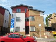 Apartment to rent in St. Marys Road, Strood...