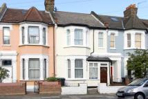3 bed Terraced property in Cranleigh Road...
