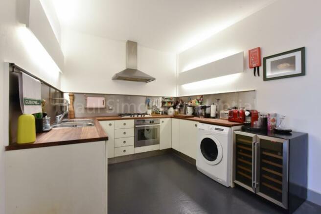 Kitchen/Angle