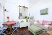 Flat for sale in Clinton Road, Harringay...