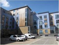 1 bed Flat to rent in QUAYSIDE DRIVE...