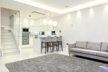 2 bedroom Flat to rent in Westbourne Gardens...