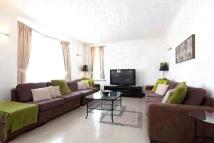 Queensway Flat to rent