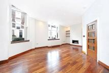 Flat in Monmouth Road...